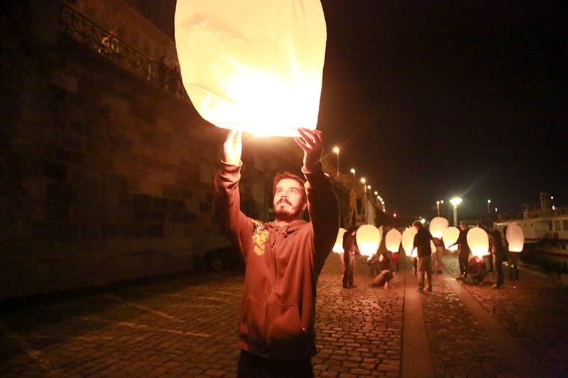 Prague: DZK lights the sky with 150 lanterns